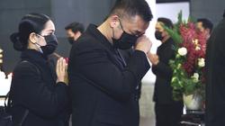 Những hình ảnh xúc động hơn vạn lời tiễn biệt trong đám tang NSND Hoàng Dũng