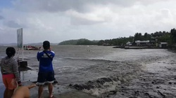 Bão Auring sắp đổ bộ Philippines sơ tán hàng trăm người dân