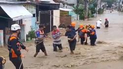 Clip: Ngập lụt do mưa lớn, Indonesia sơ tán cả nghìn người dân