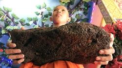 Chuyện lạ kì ở Sóc Trăng: Cặp đá nặng 4,2kg, nổi được trên mặt nước, nhấn xuống lại nổi lềnh bềnh