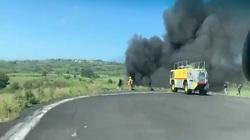 Clip: Hiện trường khói lửa ngút trời khi máy bay quân sự Mexico bị rơi, 6 binh sĩ tử nạn