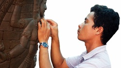 Ninh Thuận: Vì sao làng gốm Bàu Trúc làm ngày làm đêm vẫn không đủ gốm Chăm để bán?