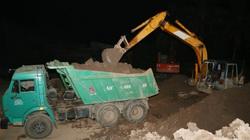 Sóc Trăng: Bắt quả tang nhóm người khai thác đất mặt trái phép giữa đêm