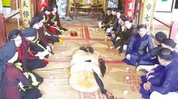 Bắc Ninh: Vì sao hát quan họ ở làng này đã từng có chuyện bọn nam phải trùm đầu?