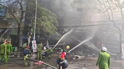 NÓNG: Cháy cực lớn tại quán karaoke ở đường Trần Phú, Hải Phòng