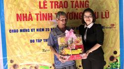Hàng trăm suất quà mang xuân đến với bà con nông dân xứ Quảng
