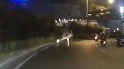 Khi nào CSGT có quyền đá, đạp ngã xe vi phạm?