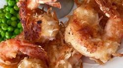 Clip: Độc đáo tôm ướp bia bọc dừa, món lạ cho mâm cơm ngày Tết