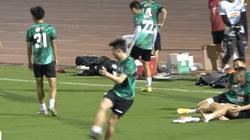 """Clip: Lee Nguyễn phô diễn kỹ thuật siêu hạng khiến đồng đội """"lác mắt"""""""