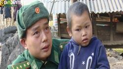 Bộ đội Biên phòng đưa con nuôi về bản ăn Tết