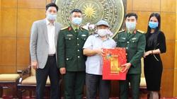 Phó Chủ tịch Trung ương Hội NDVN Đinh Khắc Đính tiếp đại diện lãnh đạo Trung đoàn 102