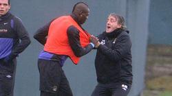 """TIẾT LỘ: Vì sao HLV Mancini từng ẩu đả với """"ngựa chứng"""" Balotelli?"""