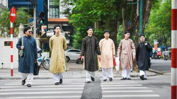 Áo dài – trang phục không chỉ để che đi cơ thể mà là biểu hiện văn hóa