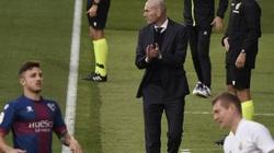 """Real Madrid ngược dòng thắng Huesca, Zidane ngó lơ """"người hùng"""""""