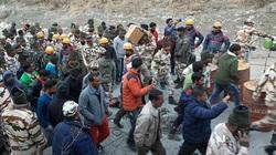 Lực lượng cứu hộ Ấn Độ tìm kiếm những người sống sót sau thảm họa sông băng