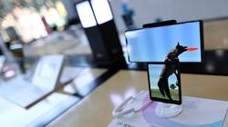 Sự thật sững sờ Sony và LG bán điện thoại vì đam mê