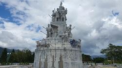 """Bình Định xây xong tượng đài """"chục tỷ"""" ở huyện miền núi"""