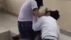 Nữ sinh lớp 10 bị bạn túm tóc, đánh đập dã man trong lớp ở TP.HCM: Nhà trường nói gì?