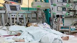 Bé 13 tháng tuổi tổn thương phổi nặng do uống nhầm dầu thắp đèn