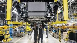 Bloomberg viết gì về tỷ phú giàu nhất Việt Nam và kế hoạch mở nhà máy sản xuất ô tô điện tại Mỹ?
