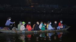 Ngày chùa Hương mở cửa, người dân đổ về đi lễ từ 2 giờ sáng