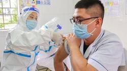 Điện Biên: Tiêm vắc xin phòng Covid-19 cho 80 y, bác sĩ, nhân viên y tế