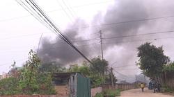 Phú Thọ: Cháy lớn tại xưởng gia công đồ chơi, khói mù trời