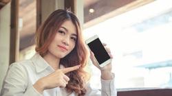 """Điện thoại pin trâu giá """"mềm"""": Vsmart Joy 3 đấu Nokia 2.4"""