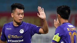 """Tin sáng (23/3): """"Trung vệ ghi bàn"""" Thành Chung nhận xét bất ngờ về Lee Nguyễn"""