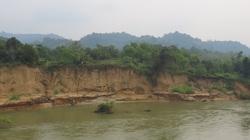 """""""Cát tặc"""" lộng hành, Bình Phước vẫn xin đề nghị gia hạn giấy phép khai thác cát từ văn bản cam kết... suông"""
