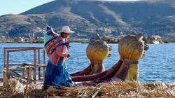 Ghé thăm những hòn đảo nổi độc đáo tại hồ Titicaca ở Peru