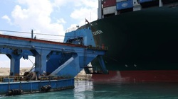 """Nhiều hãng tàu """"quay đầu"""" giữa Đại Tây Dương, tránh """"tắc đường"""" ở Suez"""