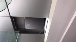 Nhân chứng kể lại thời điểm nữ giám đốc cùng nam nhân viên rơi từ trần nhà chung cư xuống đất trọng thương