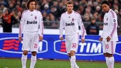 Clip: Ronaldinho so tài sút phạt với Beckham và Pirlo