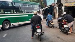 Sau lệnh cưỡng chế, 2 bến xe không phép đối diện bến xe Miền Đông vẫn hoạt động