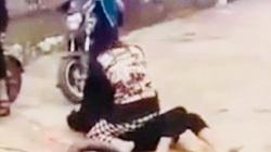 Công an vào cuộc vụ hai nữ sinh đánh nhau, bạn bè đứng ngoài reo hò phấn khích