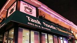 Nhà hàng Phở xe tăng của người Việt ở Mỹ bị điều tra