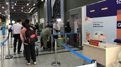 Sân bay Tân Sơn Nhất: Lắp thêm thang máy cho khách đỡ khổ, tại sao không?