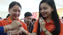 Lưu học sinh Lào vui Tết cổ truyền Bunpimay trên đất Tây Bắc
