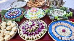 Người dân đất Mũi dâng 9 mâm bánh dân gian lên bàn thờ Quốc Tổ Hùng Vương