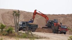 Đắk Lắk: Đề nghị làm rõ vụ bãi cát trái phép khổng lồ suốt 2 năm không dẹp được