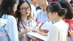Bộ GD-ĐT báo cáo Chính phủ xem xét giữ nguyên học phí năm học 2021- 2022