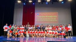 Sau tất cả, học sinh, sinh viên Học viện Múa cũng được cầm tấm bằng tốt nghiệp
