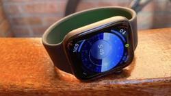 """Lạ lùng điều khiển đồng hồ Apple Watch bằng cách """"phù phép"""""""