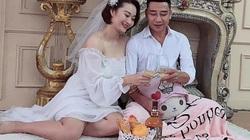 """Cựu libero Việt Nam mang bầu, Kim Huệ khen... """"đúc giỏi"""""""