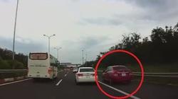 Ô tô đi vào làn dừng khẩn cấp trên cao tốc bị phạt ra sao?