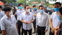 Hà Nội: Phó Chủ tịch UBND TP thị sát tận nơi khu cách ly nơi có ca nhiễm Covid 19 ở Đông Anh
