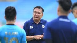 Ông Hoàng văn Phúc có buổi làm việc với Quang Hải, Thành Chung... sau khi Hà Nội FC chia tay HLV Chu Đình Nghiêm