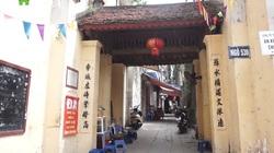 Cổng làng người Việt muôn vẻ chân quê giữa bộn bề phố xá của thủ đô Hà Nội