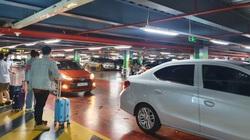 Ảnh: Làn dành cho xe công nghệ ở Tân Sơn Nhất vắng tanh, trên lầu vẫn chen chúc, xếp hàng chờ xe công nghệ...khác